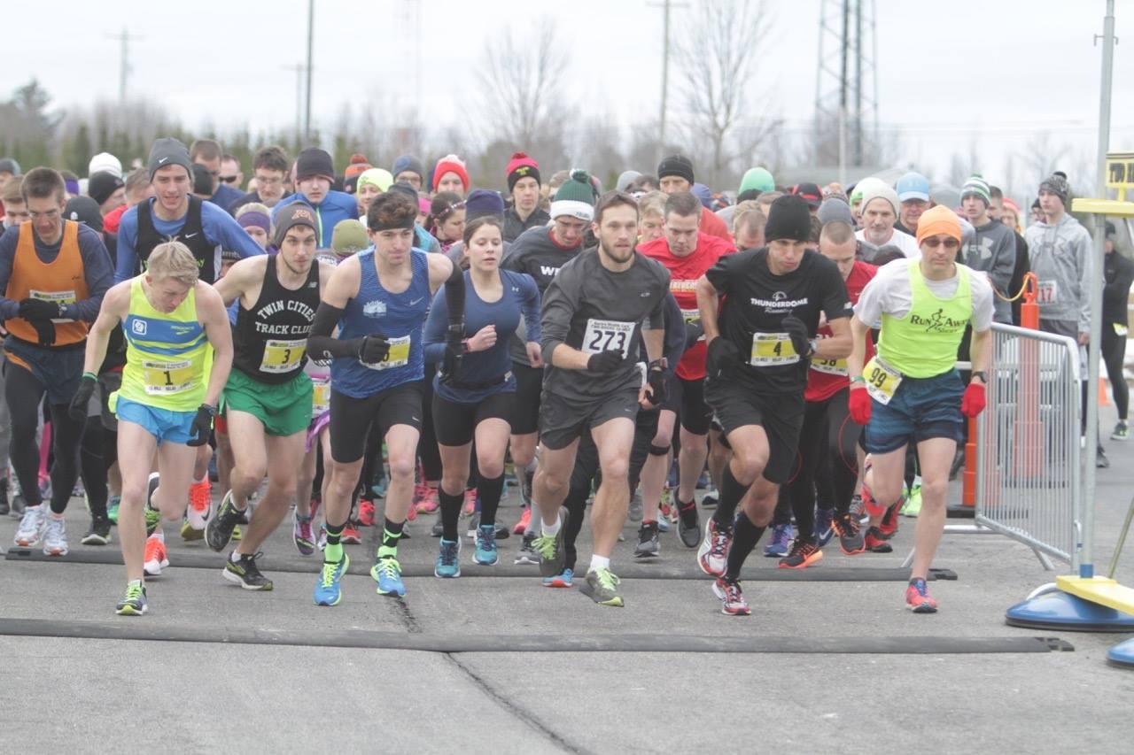 Dewitt, Comfort reclaim Two Rivers 10-mile titles